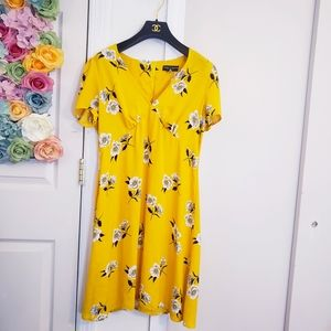 Mint DOROTHY PERKINS Floral V neck Yellow dress 10
